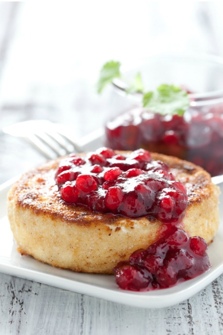 Fresh Cranberries: Top baked brie with balsamic cranberries, and serve with bread or crackers.