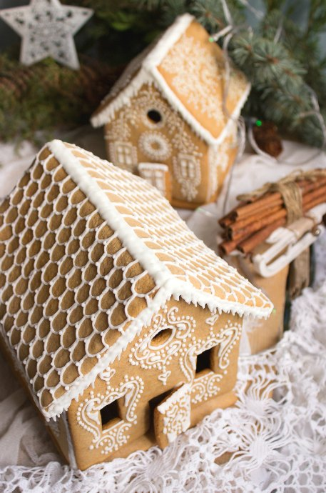 Make Your Gingerbread House Merry - Chefs Corner Store Icing Gingerbread House Designs on marzipan icing, stick pretzels with white icing, gingerbread on houses, lemon glaze icing, cake icing, biscuit icing, birthday icing, basket icing, french vanilla icing,