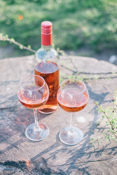 Rosé wines are made using four different methods, in order of the quality of wine produced: saignée, pressé, maceration, and run off. Maceration is the most commonly used method.